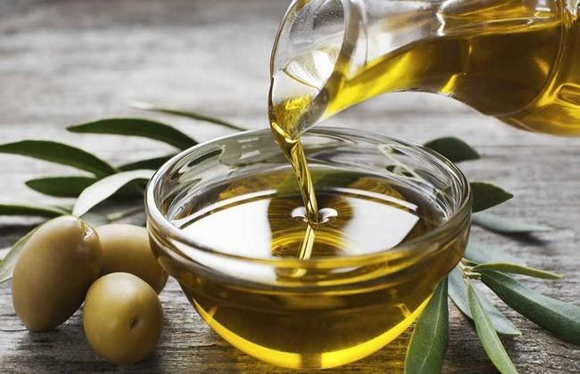 Olio Extravergine di Oliva - Prodotti Tipici di Eccellenza